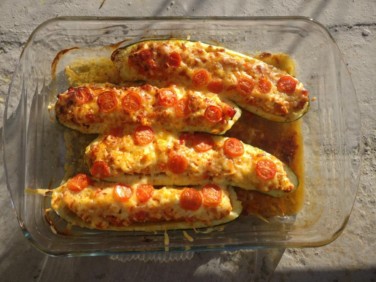 Recept Courgettebootje gevuld met kip en feta